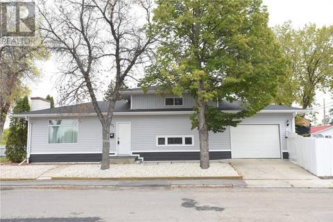 House for sale at 1301 York St Regina Saskatchewan - MLS: SK798291