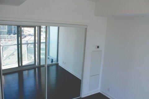 Apartment for rent at 12 York St Unit 1302 Toronto Ontario - MLS: C4967571