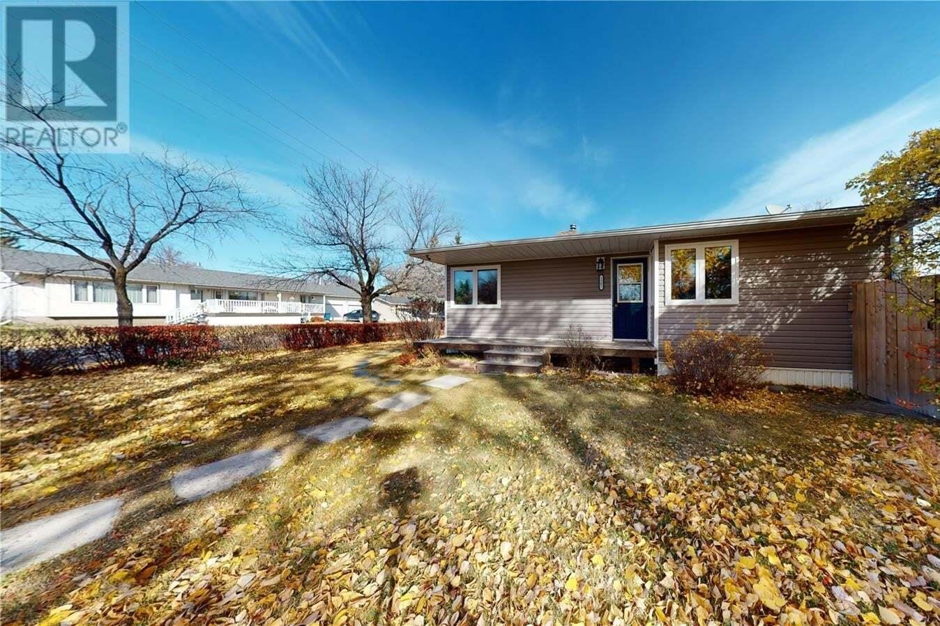 House for sale at 1302 Broadway Ave Moosomin Saskatchewan - MLS: SK830560