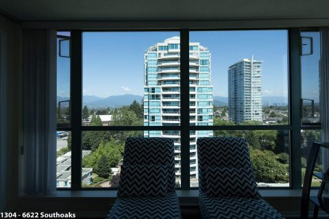 Condo for sale at 6622 Southoaks Cres Unit 1304 Burnaby British Columbia - MLS: R2519381