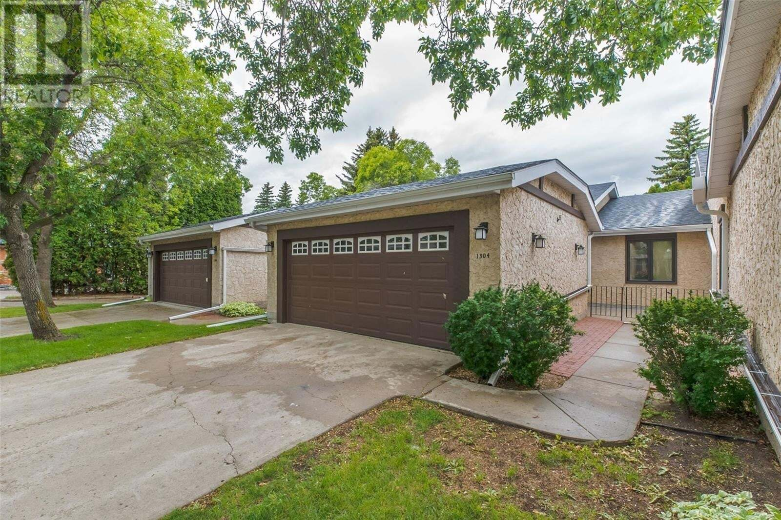 Townhouse for sale at 1304 Gryphons Wk Regina Saskatchewan - MLS: SK813766