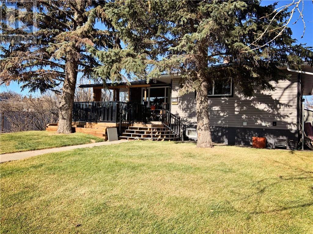 House for sale at 1305 9 Ave N Lethbridge Alberta - MLS: ld0183060
