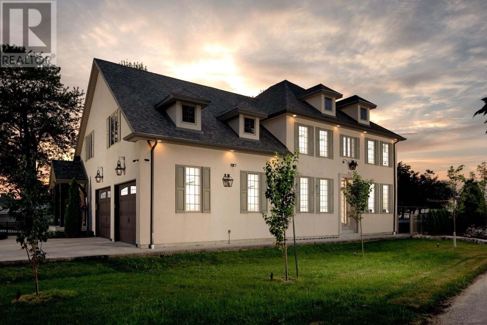 House for sale at 13058 Riverside Dr Tecumseh Ontario - MLS: 20009369