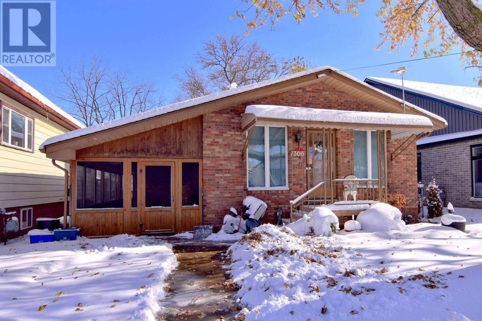 House for sale at 1306 Poisson  Tecumseh Ontario - MLS: 19028364