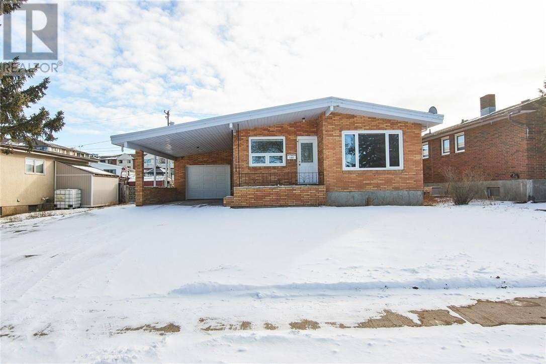 House for sale at 1307 27 St Se Medicine Hat Alberta - MLS: mh0188655