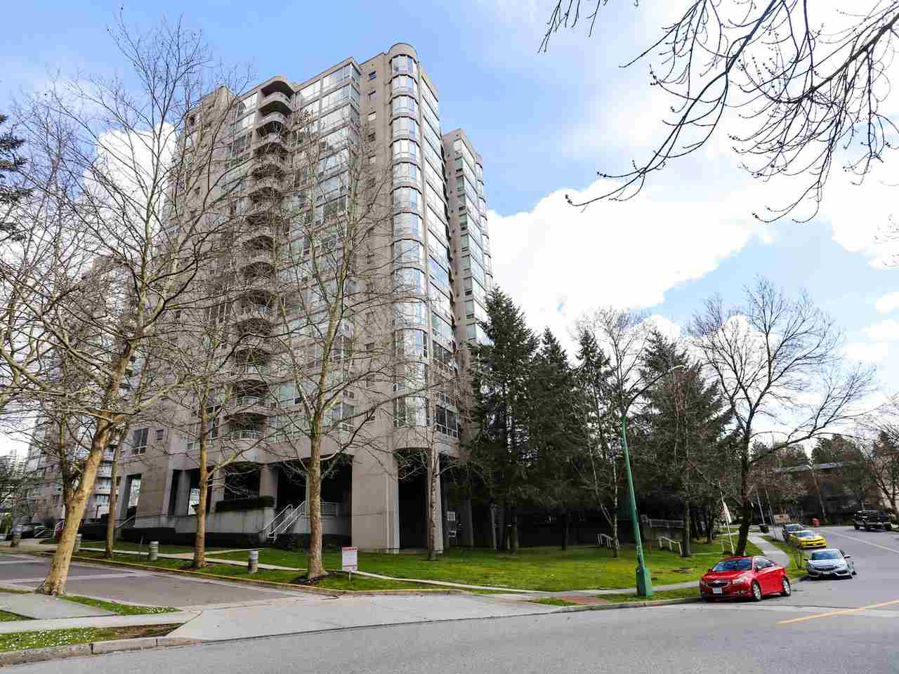 For Sale: 1307 - 9623 Manchester Drive, Burnaby, BC   2 Bed, 2 Bath Condo for $499000.