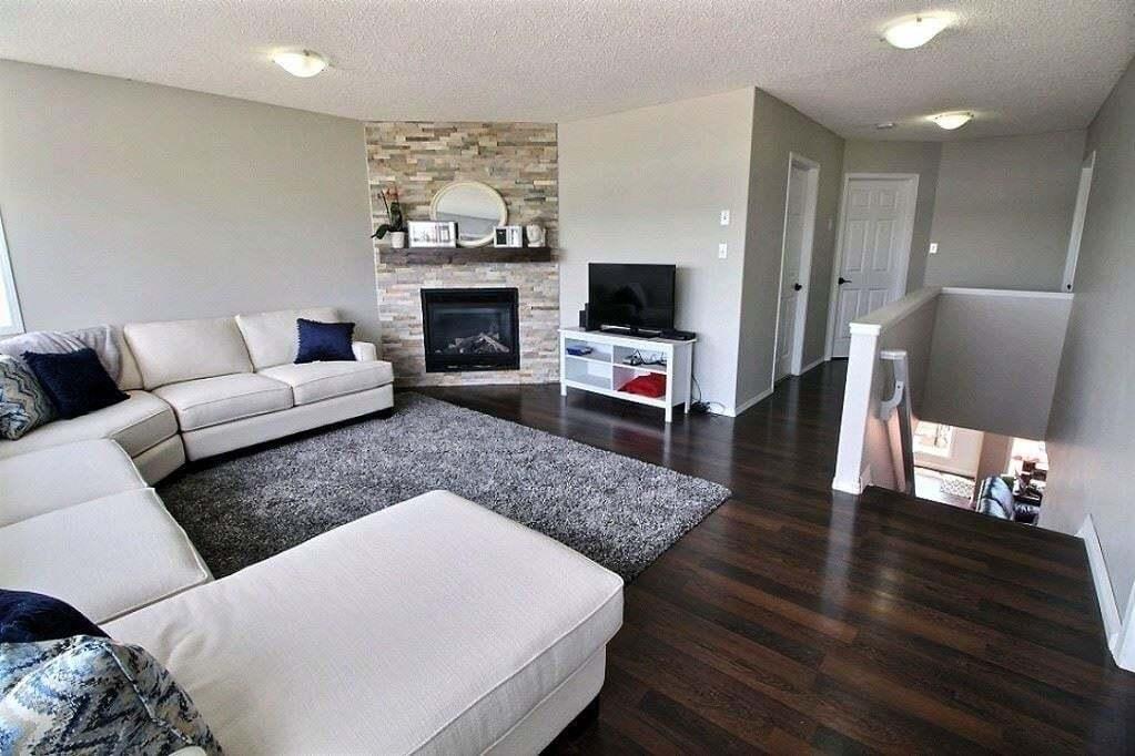 1307 Barnes Close SW, Edmonton | Image 2