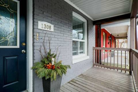 Townhouse for sale at 1308 Dundas St Toronto Ontario - MLS: E4696692