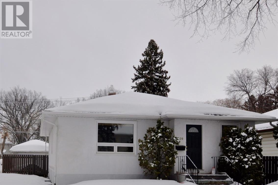 House for sale at 1309 9th St E Saskatoon Saskatchewan - MLS: SK839383