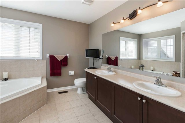 For Sale: 1309 Tall Pine Avenue, Oshawa, ON | 4 Bed, 3 Bath House for $679,900. See 17 photos!