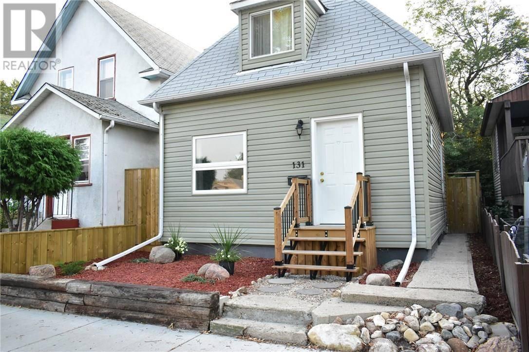 House for sale at 131 H Ave N Saskatoon Saskatchewan - MLS: SK785513