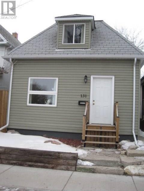 House for sale at 131 H Ave N Saskatoon Saskatchewan - MLS: SK803037