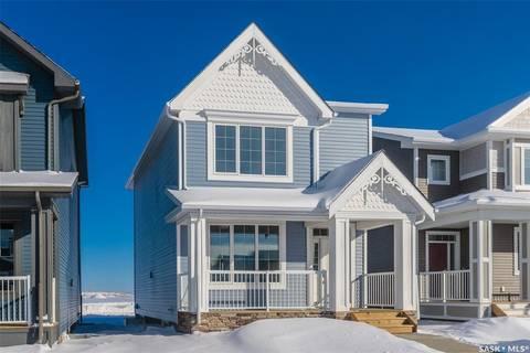 House for sale at 131 Newton Wy Saskatoon Saskatchewan - MLS: SK797840