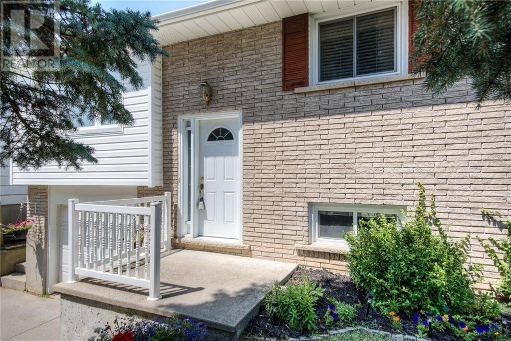 House for sale at 131 Wheatfield Cres Kitchener Ontario - MLS: 30759736