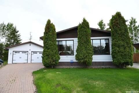 House for sale at 1311 Houghton Pl La Ronge Saskatchewan - MLS: SK800762