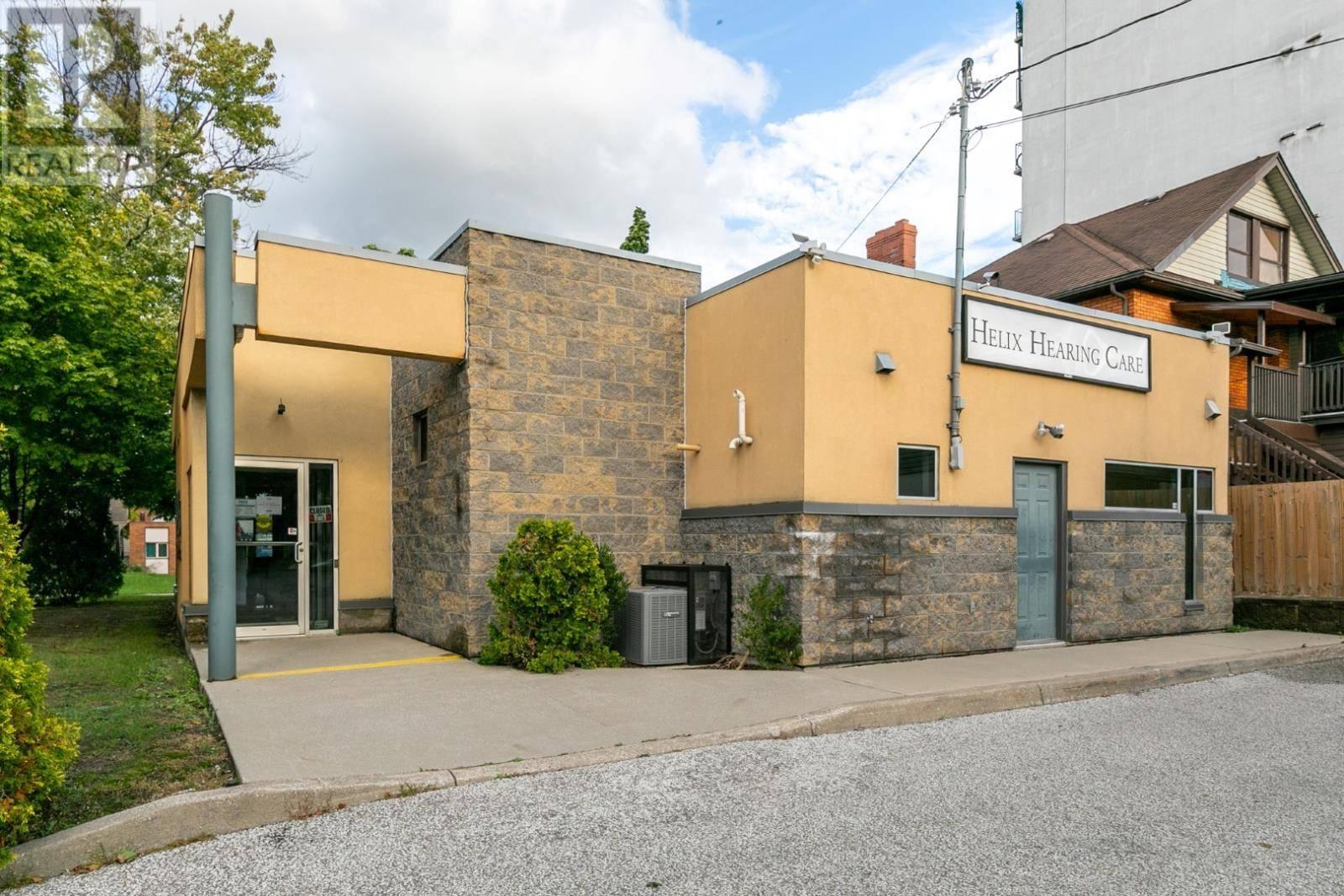 1311 Ouellette , Windsor | Image 1