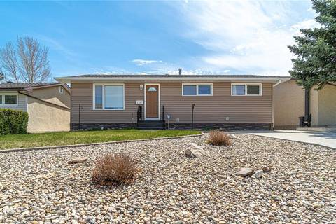 House for sale at 1311 Stadacona St W Moose Jaw Saskatchewan - MLS: SK772409