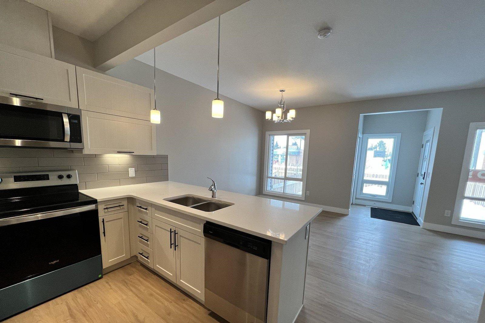 Townhouse for sale at 13111 132 Av NW Edmonton Alberta - MLS: E4198599