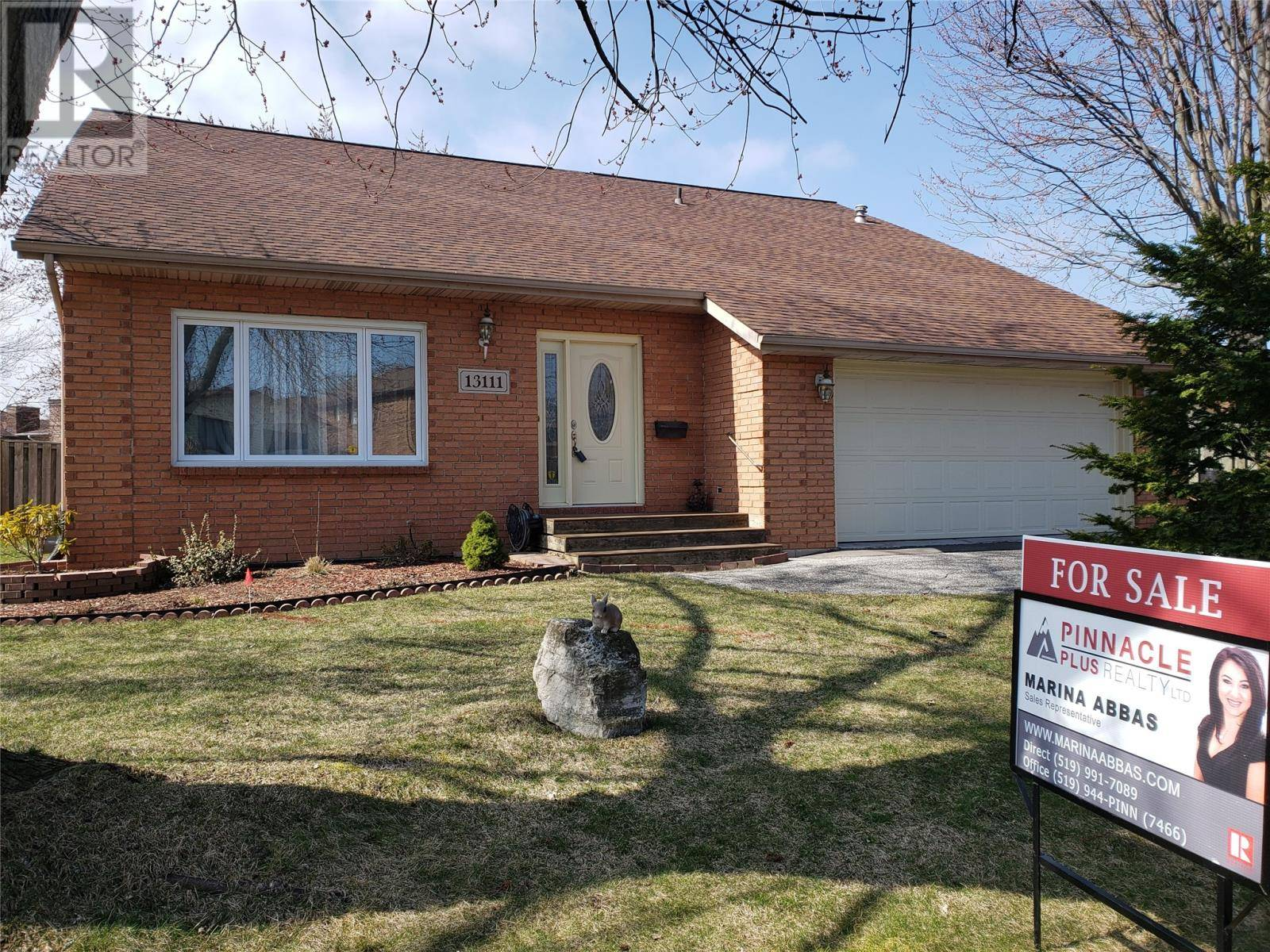 House for sale at 13111 Dillon  Tecumseh Ontario - MLS: 20003694