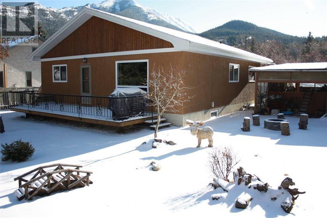 House for sale at 13122 17 Ave Blairmore Alberta - MLS: ld0183835