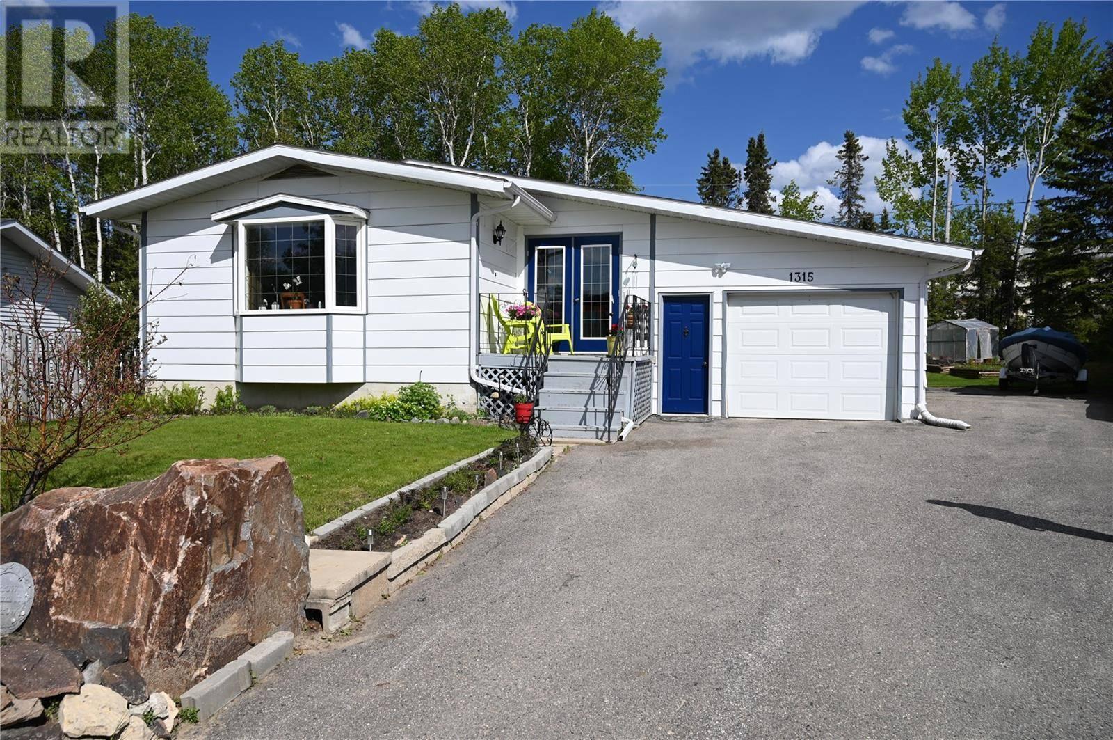 House for sale at 1315 Houghton Pl La Ronge Saskatchewan - MLS: SK774553