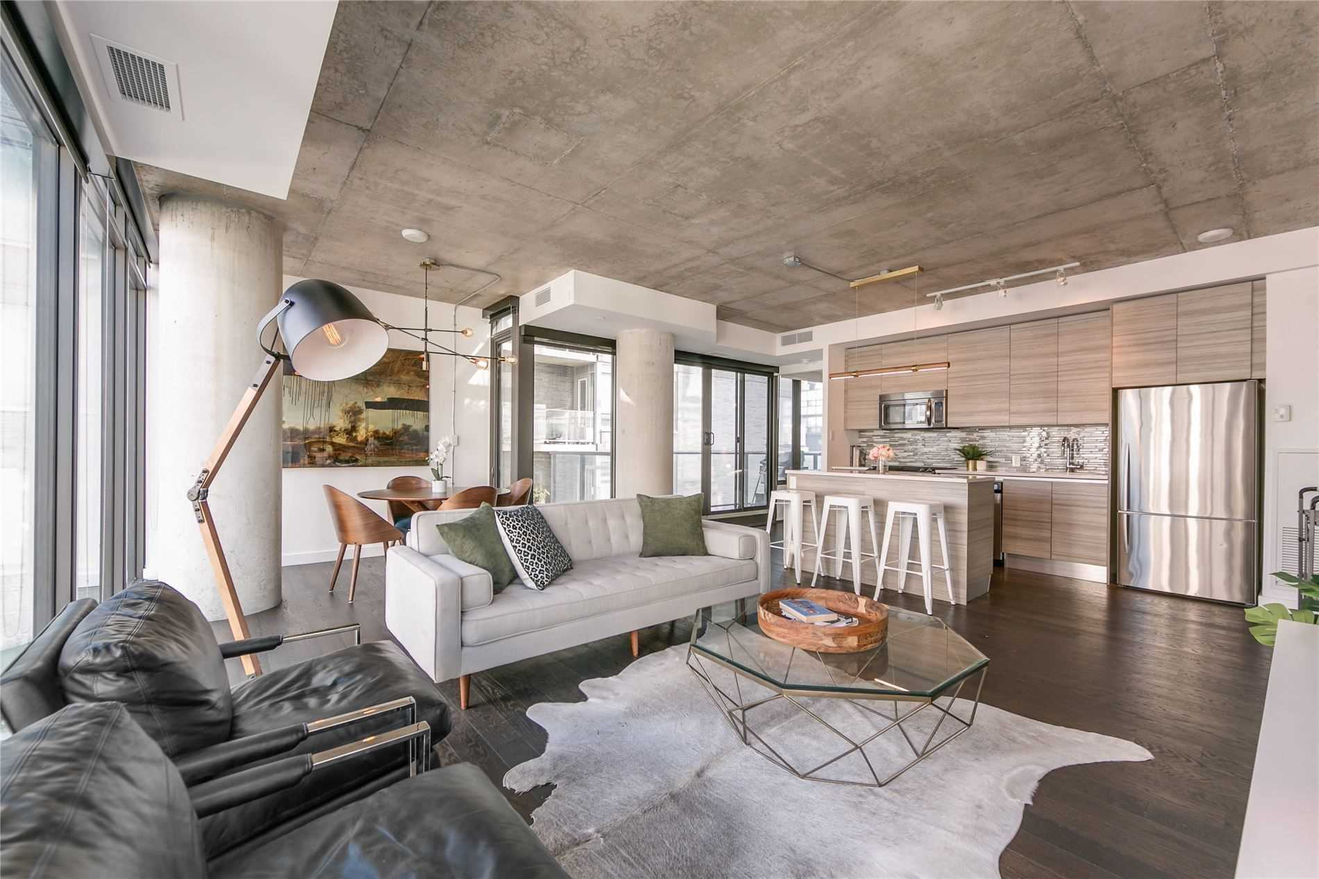For Rent: 1316 - 111 Bathurst Street, Toronto, ON | 2 Bed, 2 Bath Condo for $4499.00. See 16 photos!