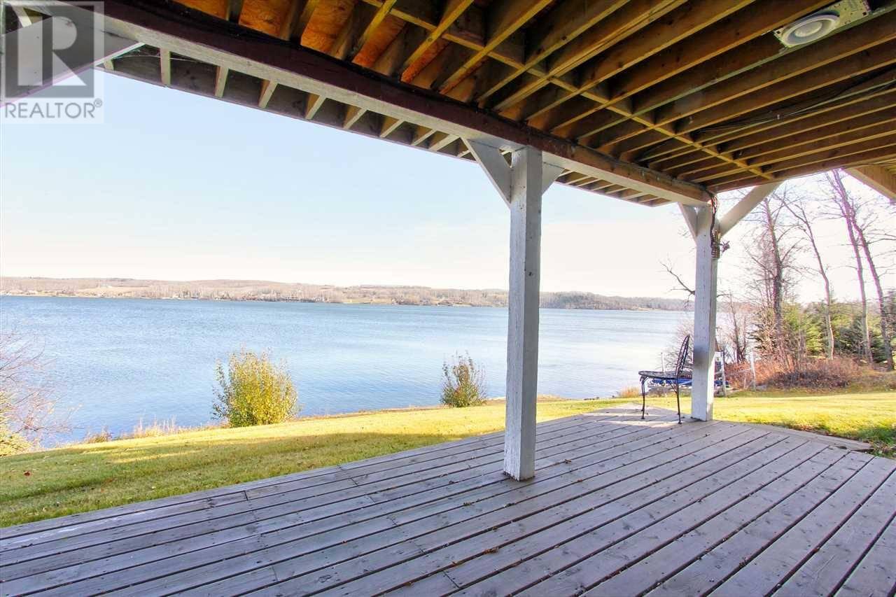 House for sale at 13160 Lakeshore Dr Charlie Lake British Columbia - MLS: R2317149