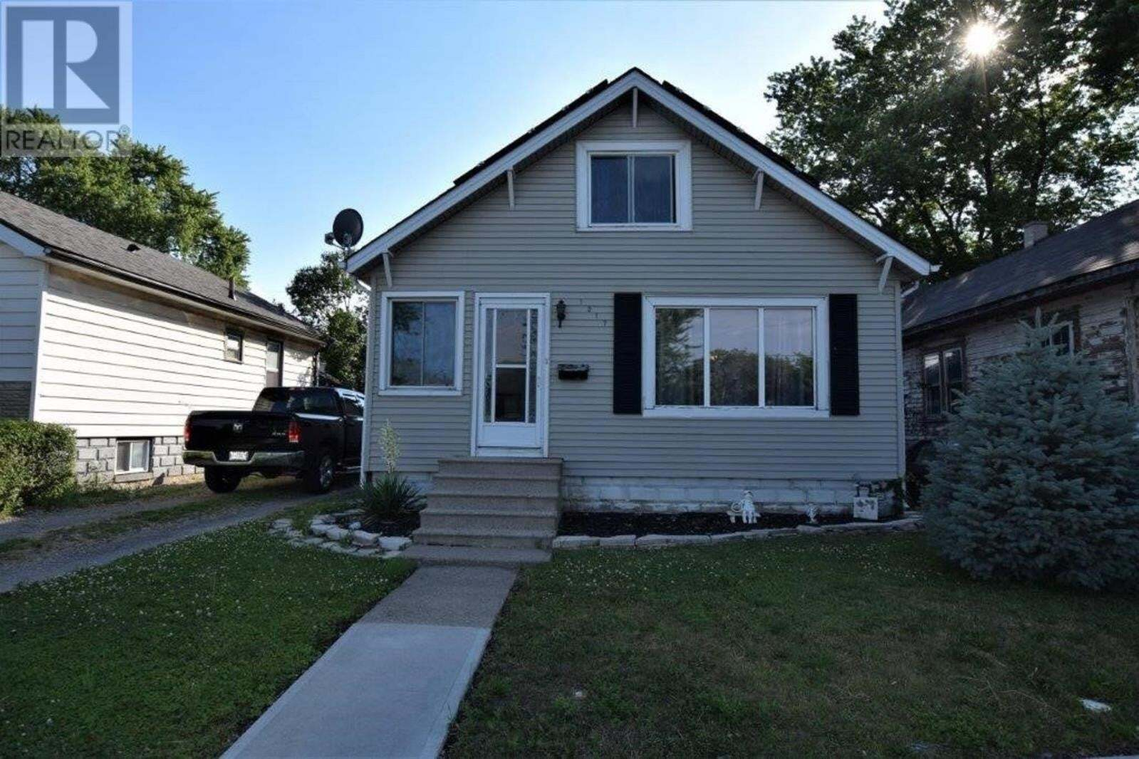 House for sale at 1317 Arthur Rd Windsor Ontario - MLS: 20008990