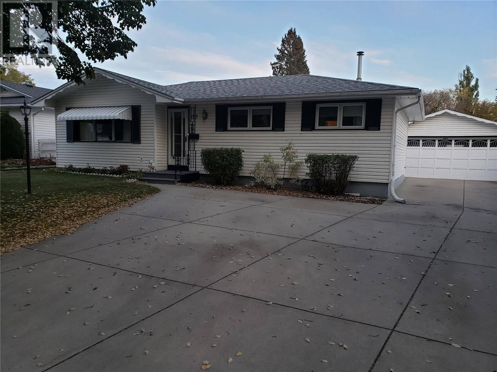 House for sale at 1317 East Ce Saskatoon Saskatchewan - MLS: SK789088