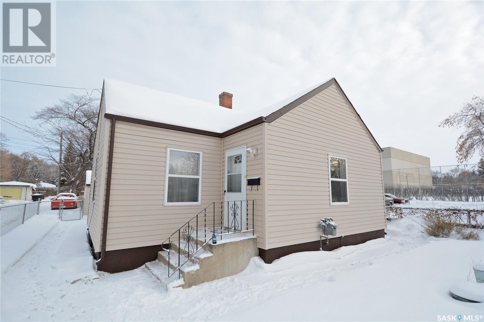House for sale at 1318 6th Ave W Prince Albert Saskatchewan - MLS: SK834567