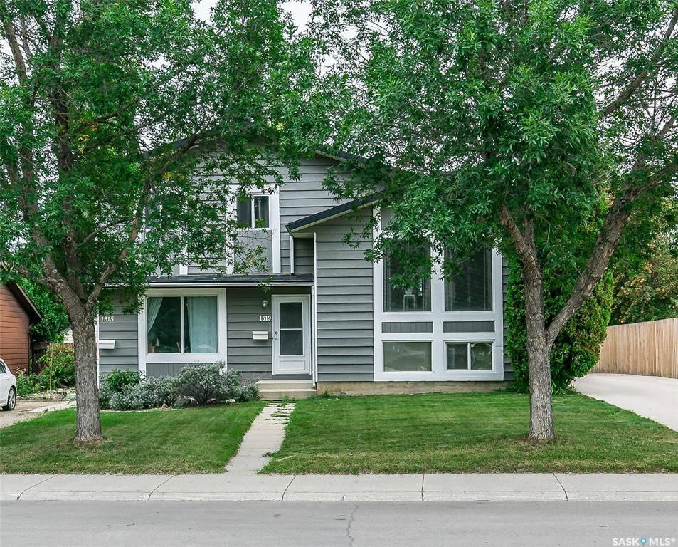 House for sale at 1319 Mccormack Rd Saskatoon Saskatchewan - MLS: SK783279