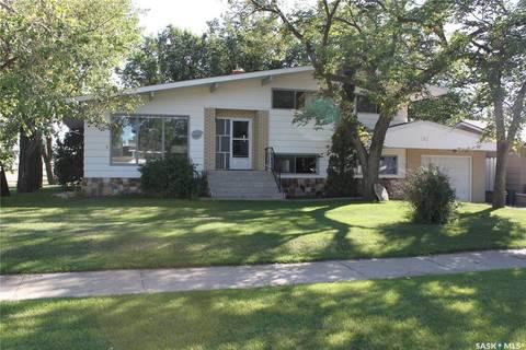 House for sale at 132 3rd Ave E Gravelbourg Saskatchewan - MLS: SK785785