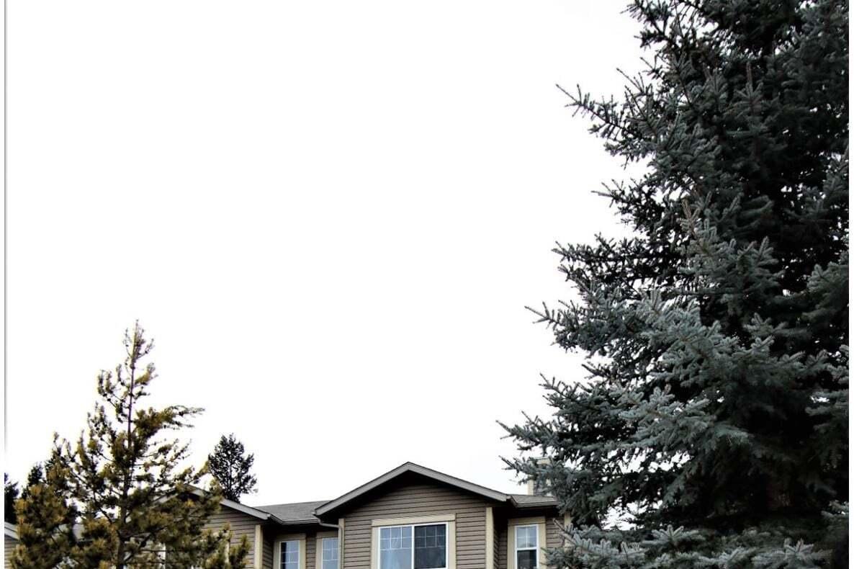 Townhouse for sale at 7599 Eaglecrest Lane  Unit 132 Radium Hot Springs British Columbia - MLS: 2450792