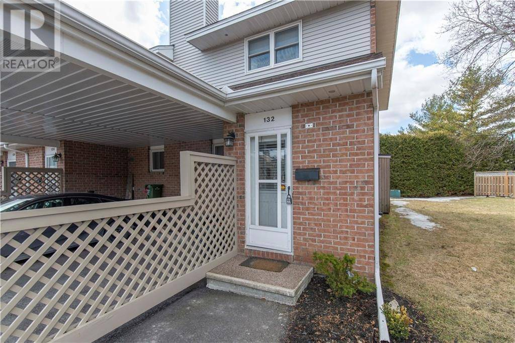 Townhouse for sale at 132 Bentbrook Cres Ottawa Ontario - MLS: 1187785