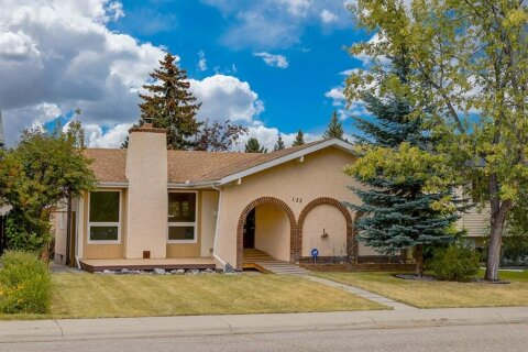 House for sale at 132 Cedarpark Green SW Calgary Alberta - MLS: A1034313