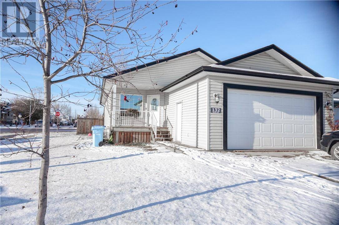 House for sale at 132 Dickey By Fort Mcmurray Alberta - MLS: fm0182901