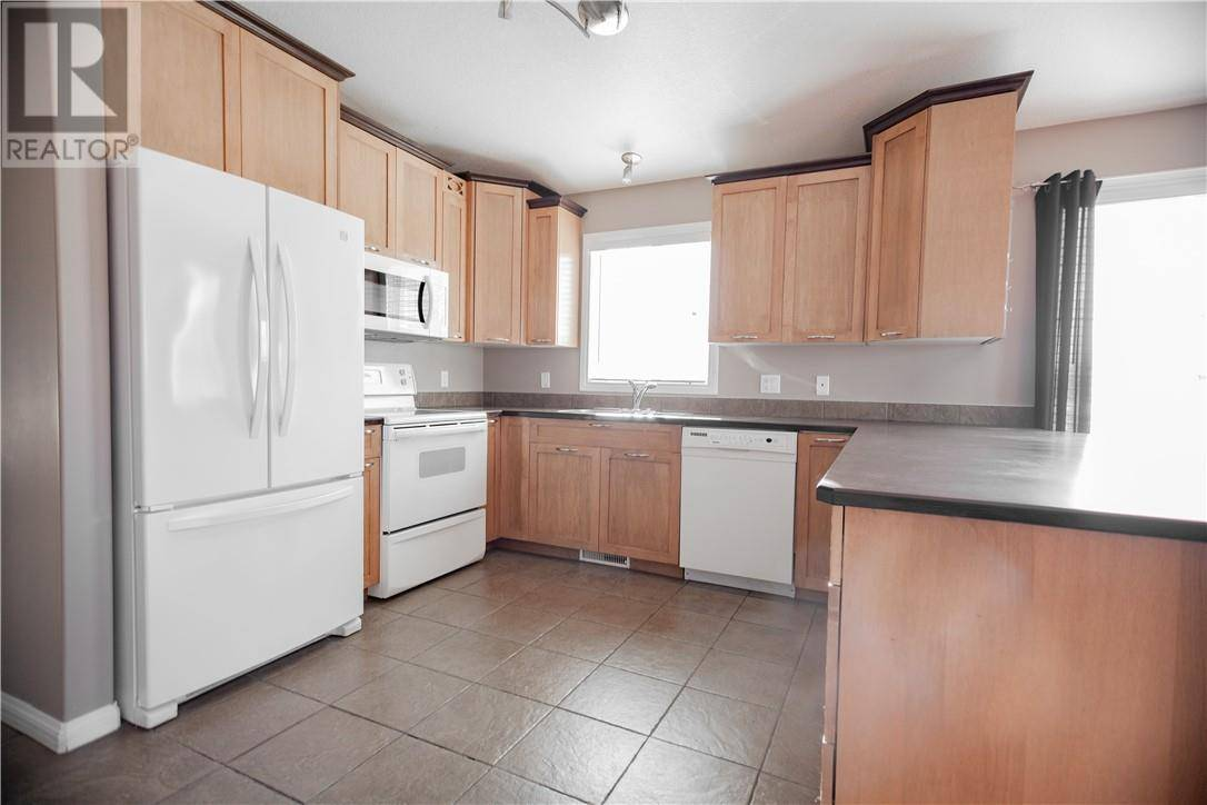 132 Dickey Bay, Fort Mcmurray | Image 2