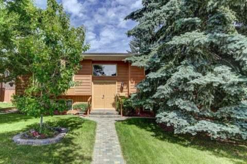 House for sale at 132 Macewan Dr NW Calgary Alberta - MLS: A1013092