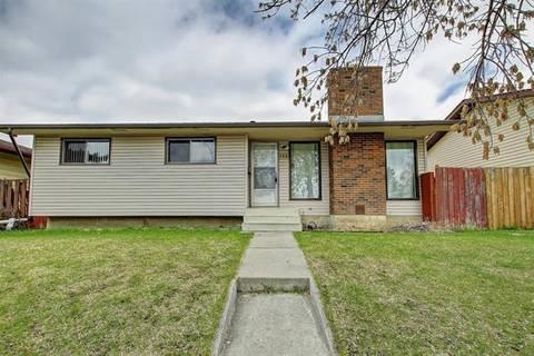 House for sale at 132 Rundleridge Dr Northeast Calgary Alberta - MLS: C4243235