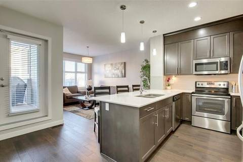 Townhouse for sale at 132 Silverado Plains Pk Southwest Calgary Alberta - MLS: C4285908