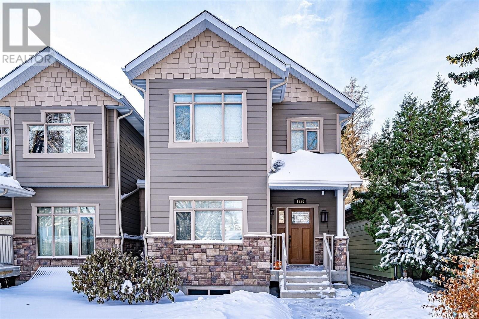 House for sale at 1320 Elliott St Saskatoon Saskatchewan - MLS: SK833734