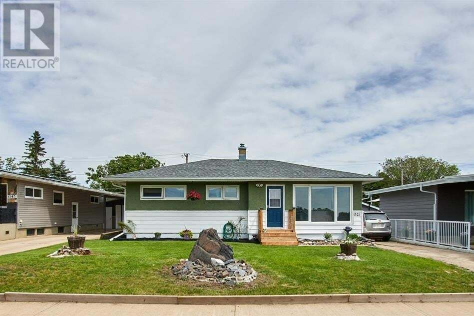 House for sale at 1321 2 Ave Northeast Medicine Hat Alberta - MLS: A1005375