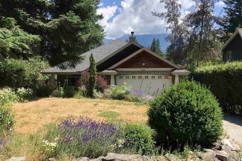 House for sale at 1321 Hillcrest Rd Bowen Island British Columbia - MLS: R2502579