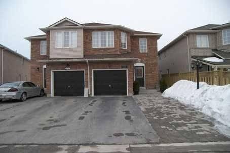 Townhouse for rent at 1322 Mowat Ln Milton Ontario - MLS: W4569410