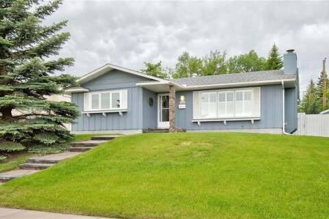 House for sale at 1323 Lake Ontario Dr Southeast Calgary Alberta - MLS: C4303152