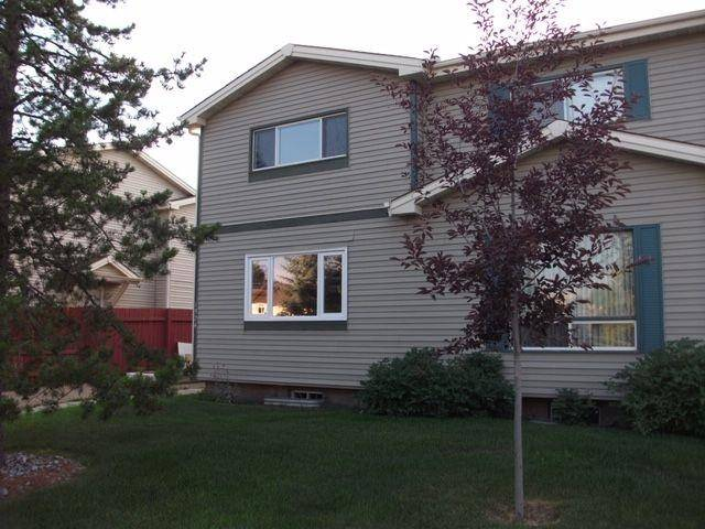 Townhouse for sale at 1324 39 St Nw Edmonton Alberta - MLS: E4158957