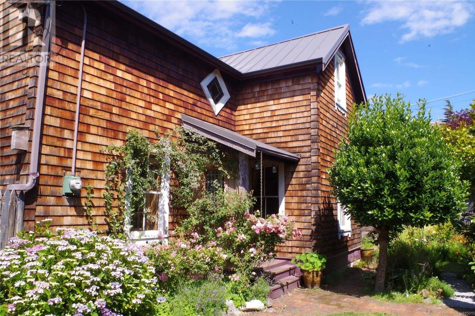 House for sale at 1324 Pembroke  Victoria British Columbia - MLS: 850152