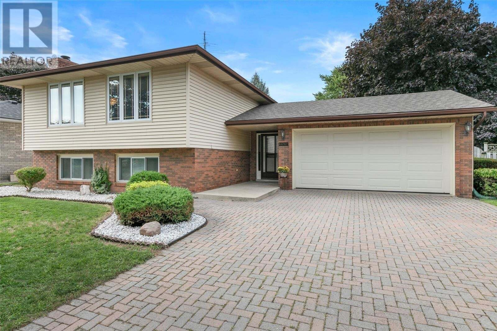 House for sale at 13261 St. Gregory's  Tecumseh Ontario - MLS: 20009741