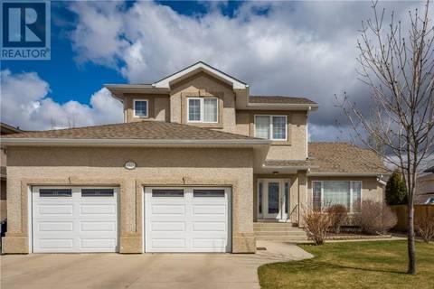 House for sale at 1327 Beechmont Cres Saskatoon Saskatchewan - MLS: SK768544