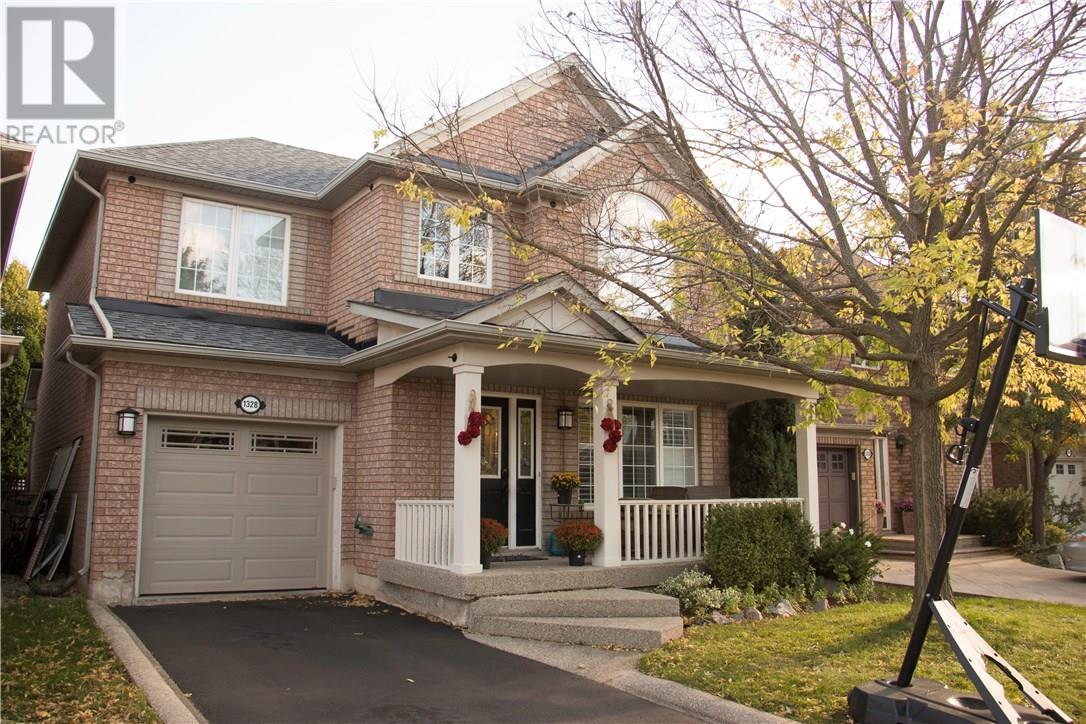House for sale at 1328 Glenrose Crescent OAKVILLE Ontario - MLS: W4281202